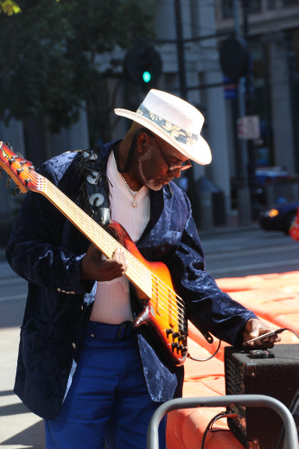 street performer 002