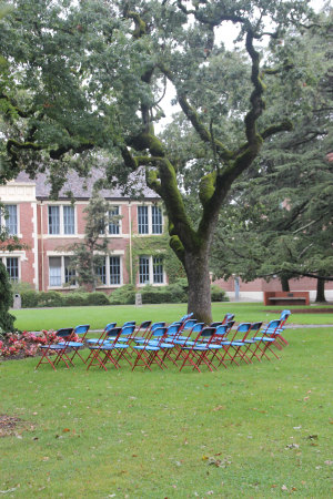 blue chairs 002