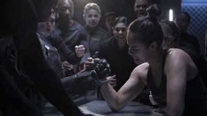 Bobbie Draper arm wrestles a robot