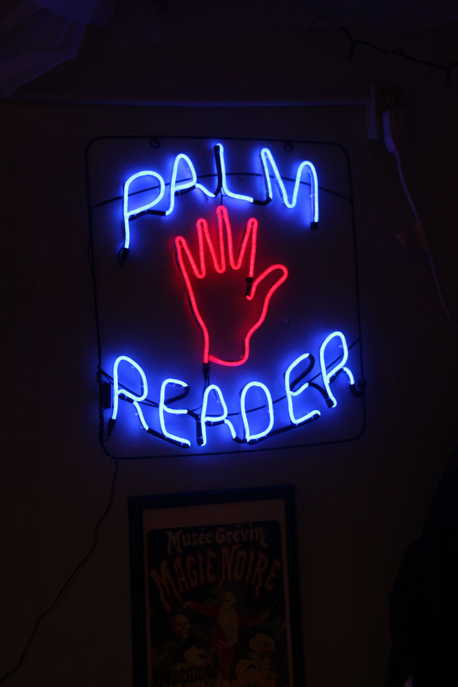 Palm Reading Sign. Certified mediums do not need to read palms